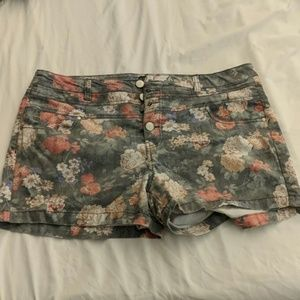 Forever 21 high waisted floral shorts